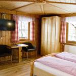Waldesruh-Halseralm helles freundliches Doppelzimmer