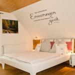 Waldesruh-Halseralm liebevoll eingerichtetes Doppelzimmer